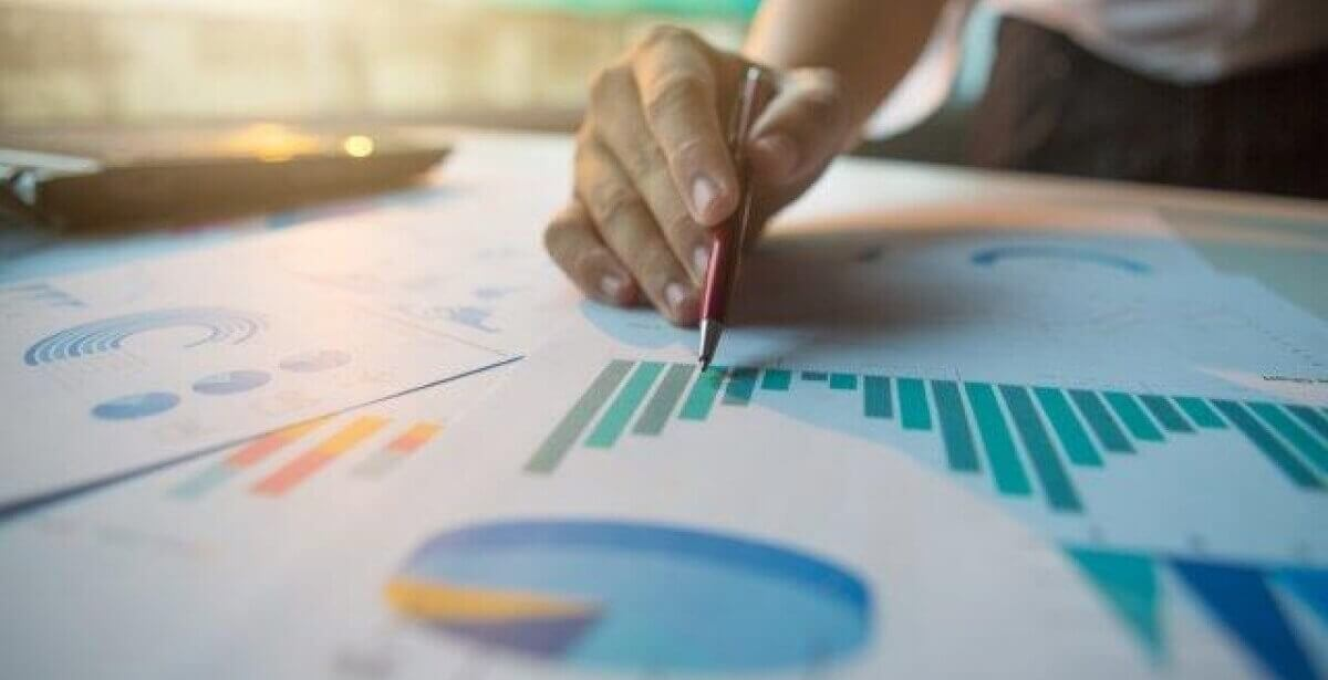 What is Business Statistics and How Can It Improve Organizational Efficiency?